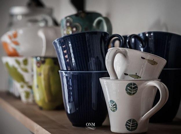 cupshelf